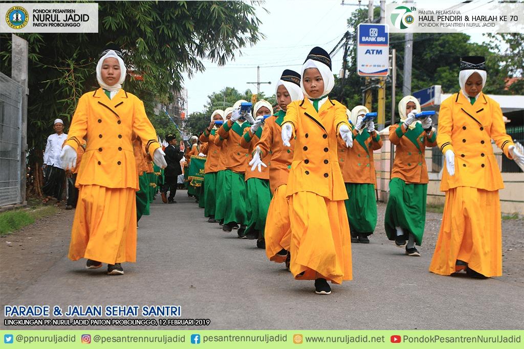 Parade & Jalan Sehat Santri