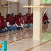 Berikan Refleksi dan Motivasi Kepada Siswi Kelas Tiga SLTA