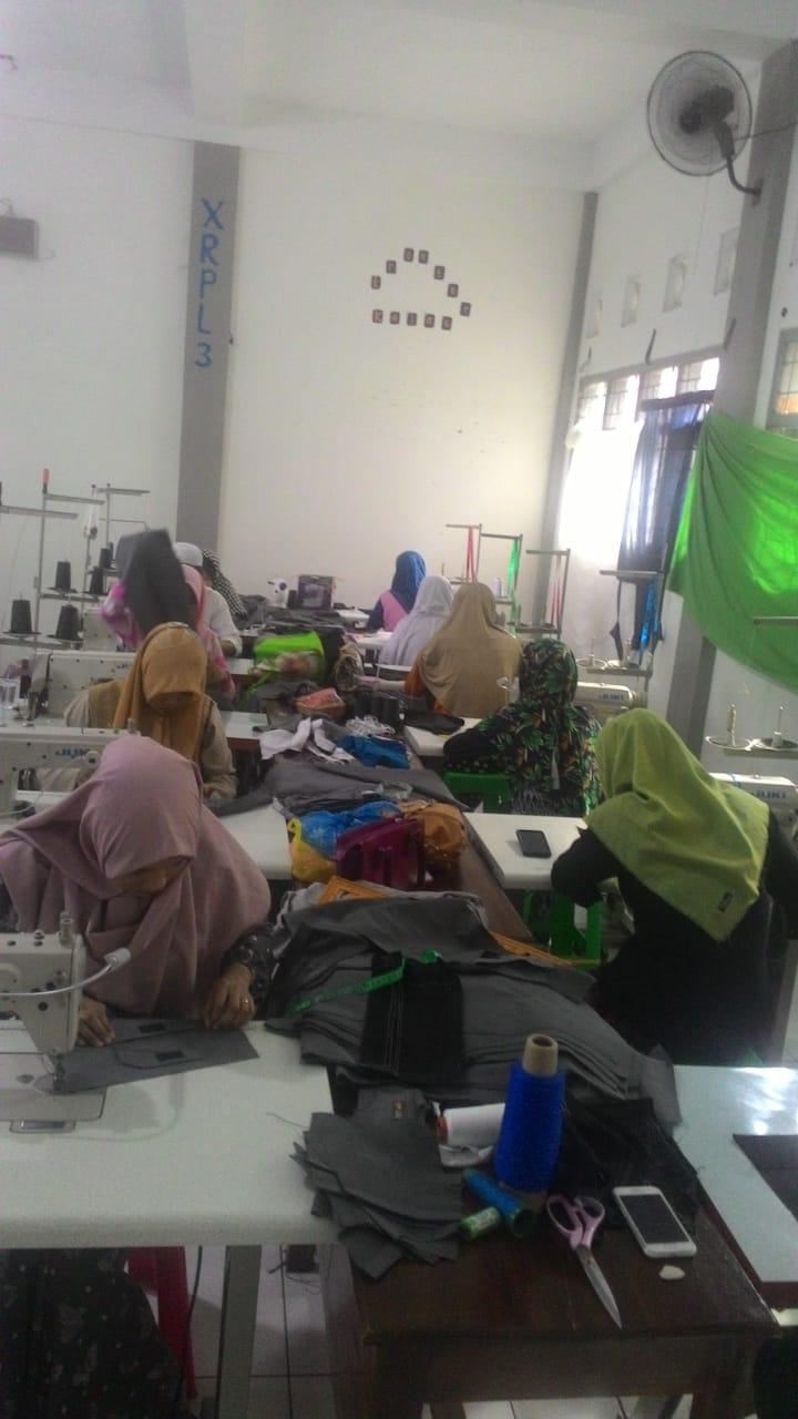 Industri Garmen Nurul Jadid Berhasil Memperkerjakan 90% ...